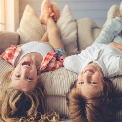 Чем обить мягкую мебель если дома есть дети_1